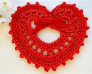 вязаное сердечко валентинка